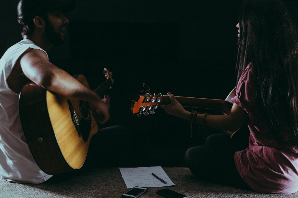 How To Teach Guitar Lessons — The Complete Teacher's Guide